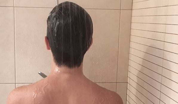 Hoy me ducho solo conmigo